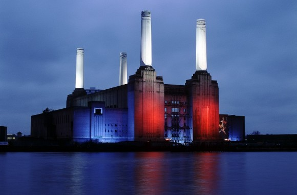 Battersea Power Station Photo © Sarah J Duncan