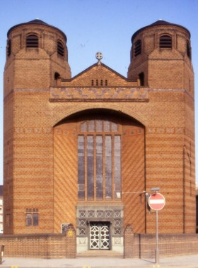 Most Holy Trinity Church, Dockhead, London SE1 (Goodhart-Rendel, 1951-60)