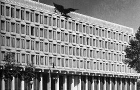 Eero Saarinen US Embassy 2
