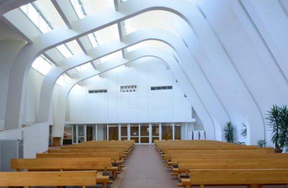 elain-church-in-italy
