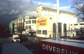 Shredded Wheat Factory, Nabisco, Welwyn Garden City, c. Elain, Harwood