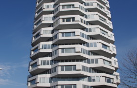 NLA Tower (No. 1 Croydon) Photo © John Grindrod