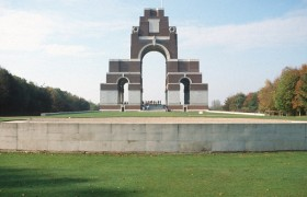 Thiepval 1990, Memorial to the Missing of the Somme, photo Gavin Stamp