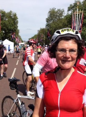 Elain Harwood completes London-Surrey 100